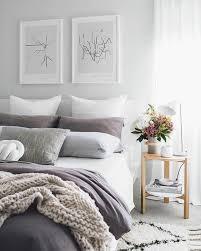 tableau chambre adulte 1001 idées pour la décoration d une chambre gris et violet
