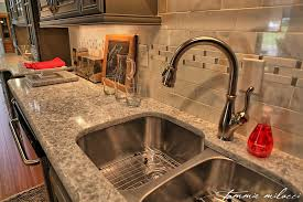 what color quartz with oak cabinets which countertop colors match my cabinets spectrum