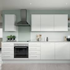 white gloss kitchen cupboards howdens white gloss kitchens fitted kitchens howdens