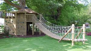 backyard tree house ideas