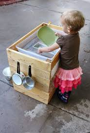step 2 water works water table 10 great diy outdoor water play tables apartment therapy