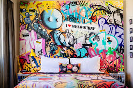 photos hilton s double tree has created a crazy hotel room that here s a better look at the feature wall mural it s a mix of elements such as traditional graffiti tags characters animals and the melbourne city skyline