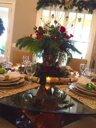 centerpieces decorating ideas comes with white table cloth and