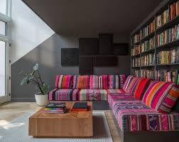 canapé arabe idée déco salon avec des coussins de canapé décor salon marocain