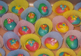 Decorating Easter Eggs Recipe by Easter Eggs Recipe