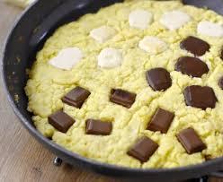3 recette cuisine cookie à la poêle aux 3 chocolats recette de cookie à la poêle