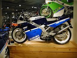suzuki motorcycle file suzuki rgv250γ 01 jpg wikimedia commons