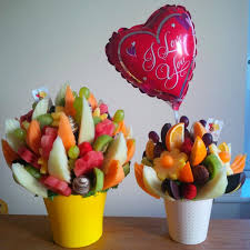 edible fruit delivery flowers on large size vs small summerlove