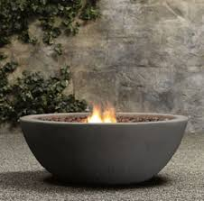 Fire Pit Lava Rock by Best 20 Rock Fire Pits Ideas On Pinterest Backyard Pool