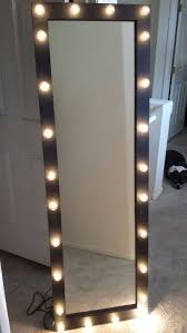 Lighted Vanity Mirror Diy 1000 Ideas About Lighted Vanity Mirror On Pinterest Table
