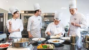 ecole de cuisine pour adulte reconversion du bureau au fourneau l express