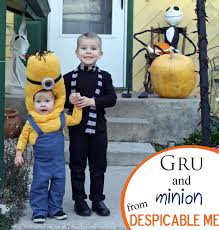 halloween costumes minion running with scissors gru and minion halloween costume