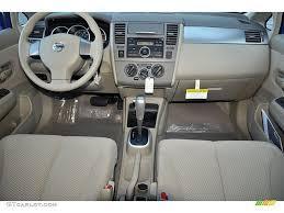 nissan versa interior beige interior 2012 nissan versa 1 8 s hatchback photo 72354435