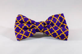 mardi gras bow tie mardi gras gingham dog bow tie with fleur de lis the southern pup