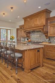 what color flooring looks best with maple cabinets what color flooring goes with maple cabinets page 1 line