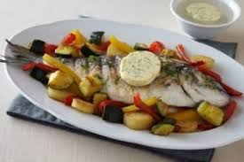 cuisiner de la dorade recette de daurade grillée au beurre maître d hôtel et légumes