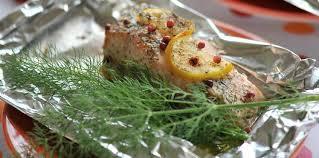 cuisine en papillote papillote de saumon au beurre d aneth recette sur cuisine actuelle