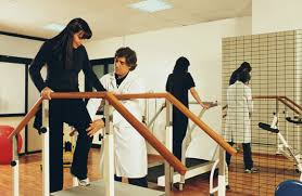 Pain Climbing Stairs by How To Safely Ascend Stairs After Injury Or Surgery
