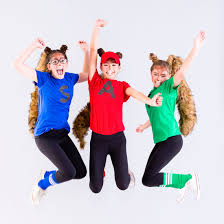 Good Halloween Costume Ideas For Groups by This Alvin And The Chipmunks Costume Is The Perfect Tweens Group