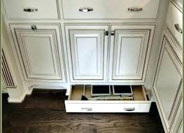 cabinet door knob placement kitchen cabinet door pull placement kitchen cabinet door pulls