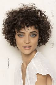Medium Haircuts For Curly Hair Best 25 Curly Medium Hairstyles Ideas Only On Pinterest Blonde