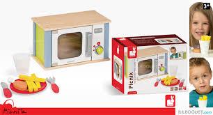 janod cuisine en bois micro ondes picnik jouet de simulation en bois janod soldes et