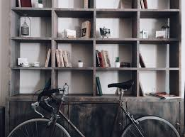 how to decorate like a minimalist blindster blog even if you don t make any other changes to your home this one simple step will go a long way towards reducing clutter and pushing your living space more