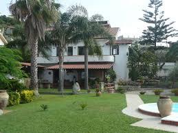 casa e giardino casa con giardino caserta idea creativa della casa e dell