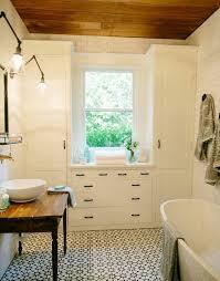 bungalow bathroom ideas best bungalow bathroom ideas on craftsman bathroom ideas