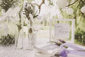 helpful tips and pretty inspiration from the wedding stylist