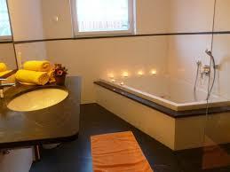Riesige Badewanne Riesige Badewanne Trendy Gerumiges Moderne Dekoration Tolle
