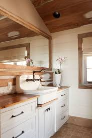 Bathroom Sinks And Faucets by Best 20 Farmhouse Bathroom Sink Faucets Ideas On Pinterest