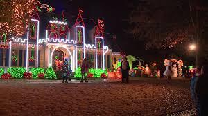 christmas tree lighting bridge street huntsville al holiday lights whnt com