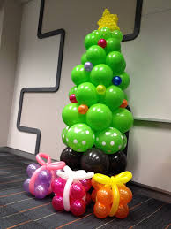 christmas tree from balloons would make a cute sunday
