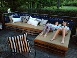 Diy Wood Pallet Outdoor Furniture by Pallet Patio Couch Woodworking Pinterest Pallet Patio