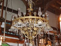 Vintage Crystal Chandeliers Chandeliers Old Lights On Antique Lights Vintage Chandeliers