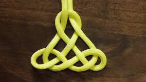 how to tie a decorative paracord pendant knot whyknot