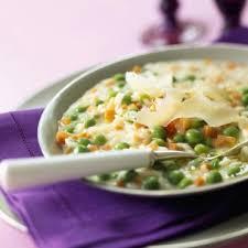 cuisiner des petits pois risotto aux carottes et petits pois cuisine plurielles fr