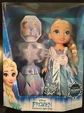 disney frozen northern lights elsa music and light up dress disney frozen elsa northern lights talking doll 40 phrases music