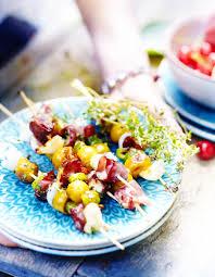 cuisiner les mirabelles brochettes de mirabelles au chèvre et bresaola pour 6 personnes