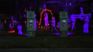 Halloween Outside Lights by Halloween 2013 Front Yard Setup Youtube