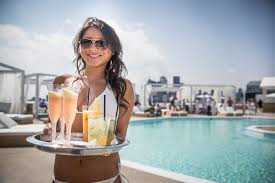 Top 10 Bars Toronto Cabana Pool Bar Toronto Travel Been There Or Want To Go