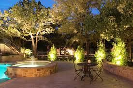 Landscape Lighting Trees How To Light Trees With Outdoor Landscape Lighting Home Landscapings