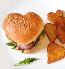 cuisiner pour amoureux burger en forme de coeur pour les amoureux les meilleures recettes