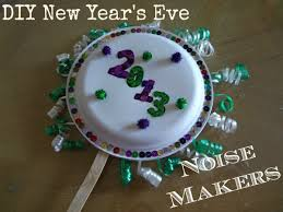 Cute New Years Eve Decorations by Diy New Year U0027s Eve Noise Makers Made With Paper Plates And Pasta