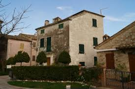 Property24 Apartments Townhouses In Le Marche Italy Italhouses