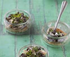 comment cuisiner des escargots cassolettes d escargots recette de cassolettes d escargots marmiton