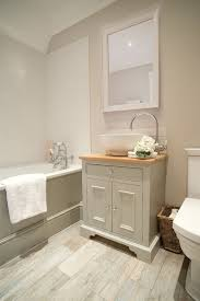 i like how light this is would add darker faucet and maybe trim