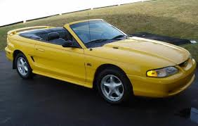 1995 mustang convertible top ford mustang gt convertible except mine was blue with a black top