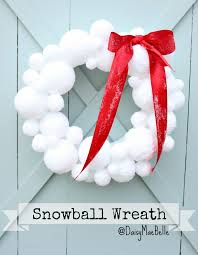 christmas wreaths to make how to make a snowball wreath daisymaebelle daisymaebelle